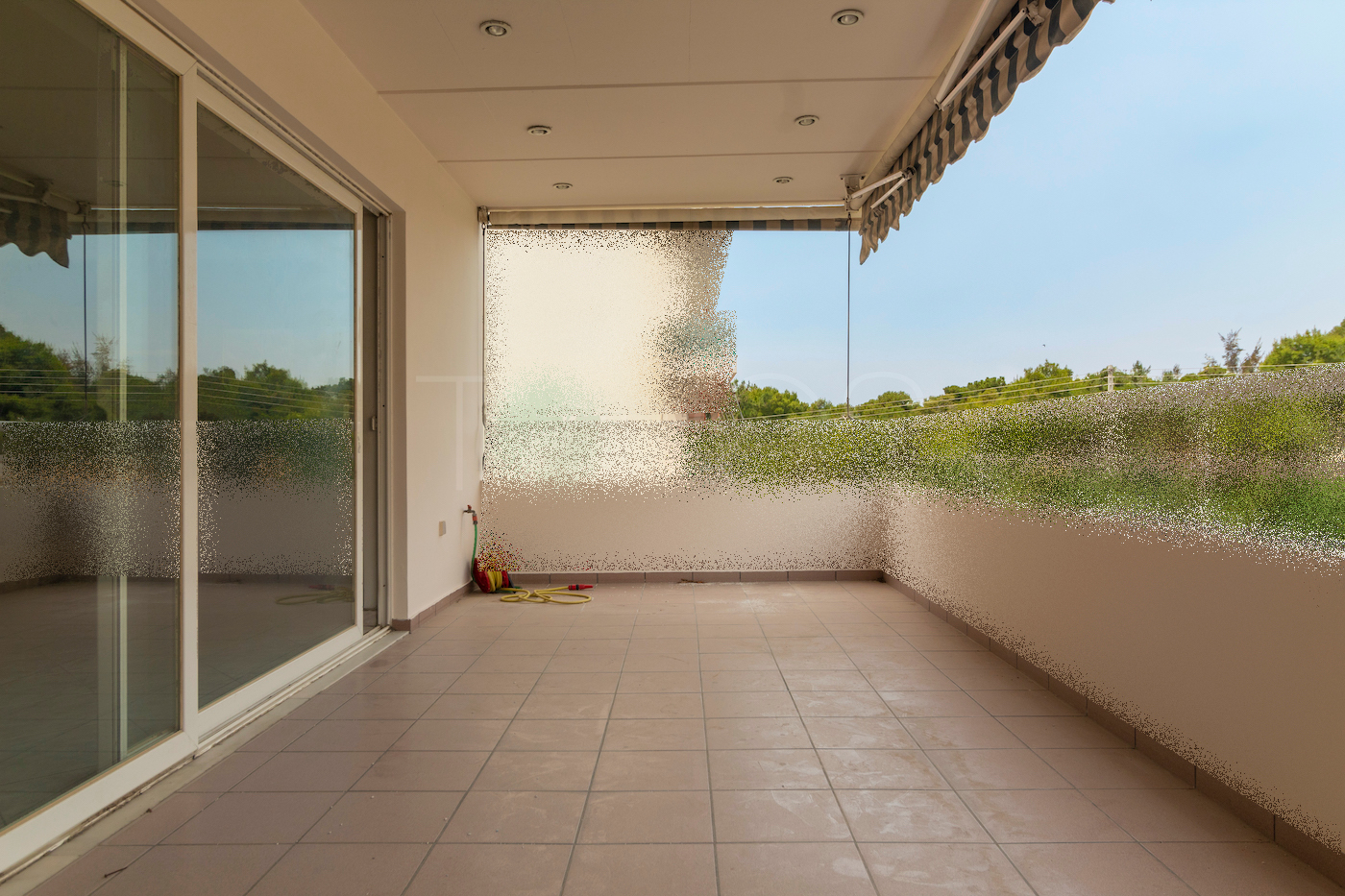 ΠΩΛΕΙΤΑΙ στο ΚΑΛΑΜΑΚΙ ΑΛΙΜΟΥ διαμέρισμα 2ου ορόφου 135 μ²